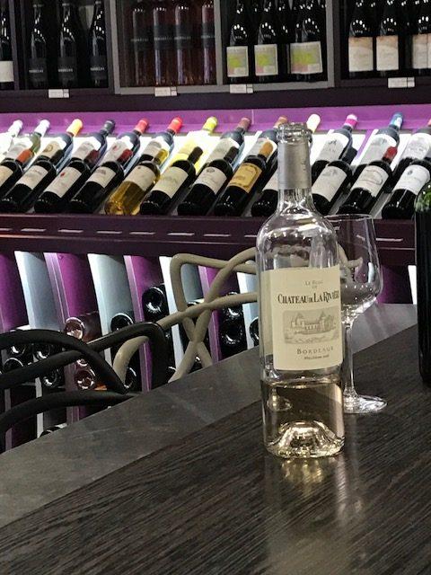 inauguration-mets-vins-chics-30-03-2017-Le-Rose?-de-Cha?teau-de-La-Rivie?re-2016-Bordeaux-Rose?